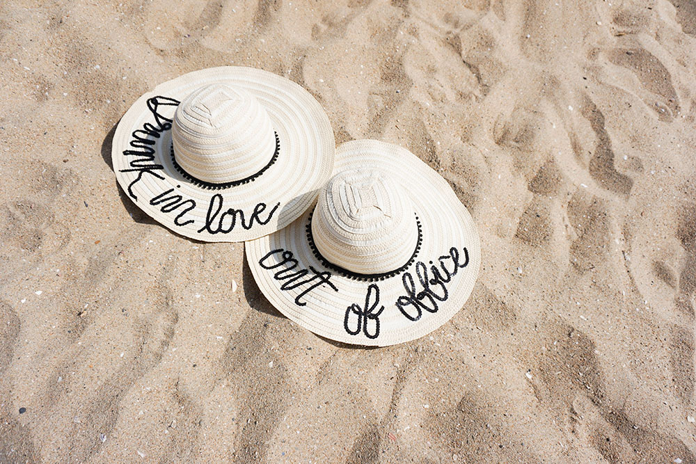 Vacation mode: on. DIY your own floppy hat with this tutorial!