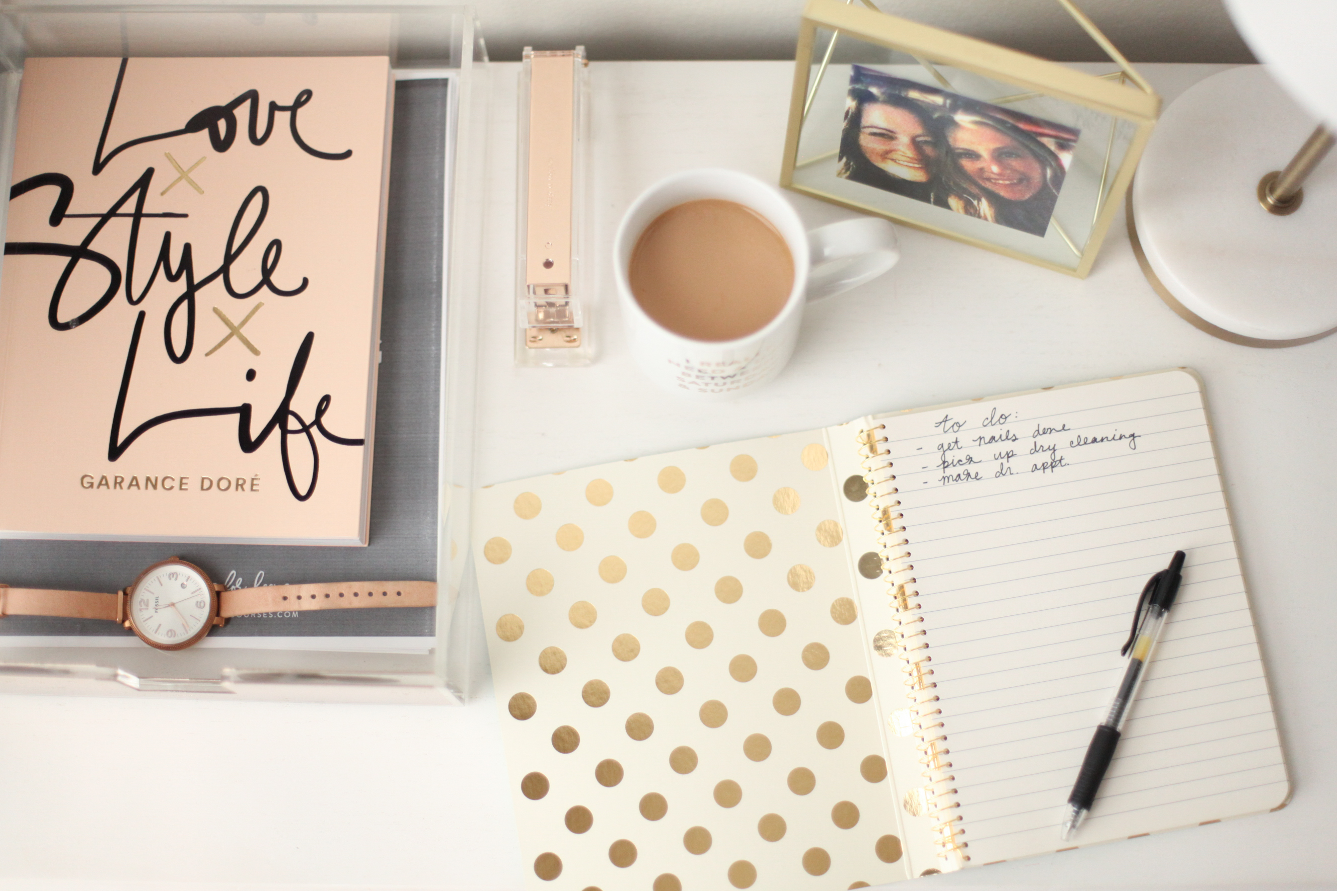 Make #adulting look even prettier: style your desk with these easy tips!