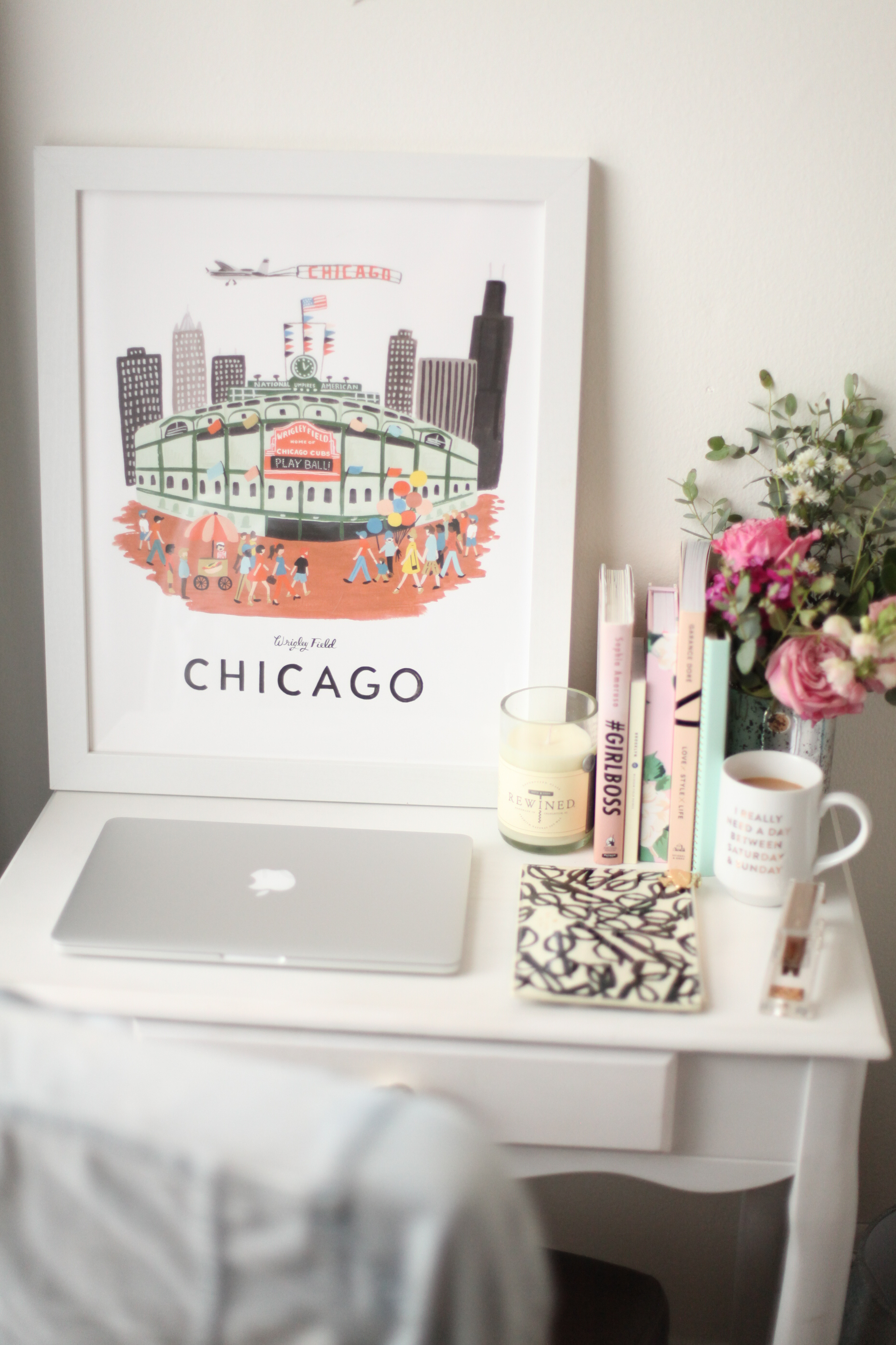 How to style your desk so it looks perfect on Instagram ;)