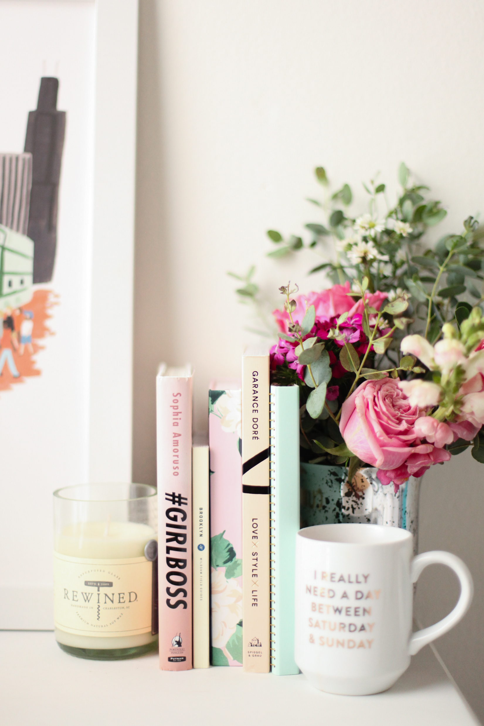 Easy tips to make your desk look gooooooood.