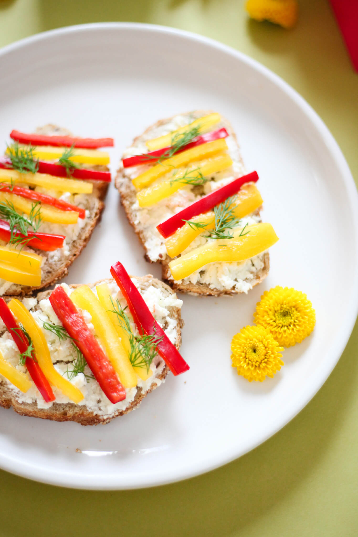 This delicious toast recipe is super easy to make!