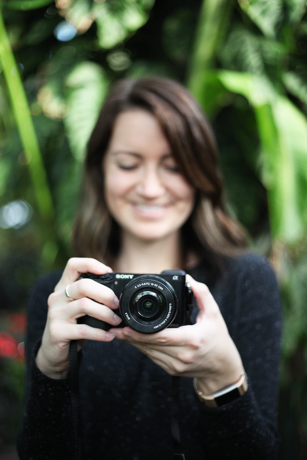 A blogger's honest review of the Sony a6000 mirrorless camera (spoiler alert: put it on your wishlist!)