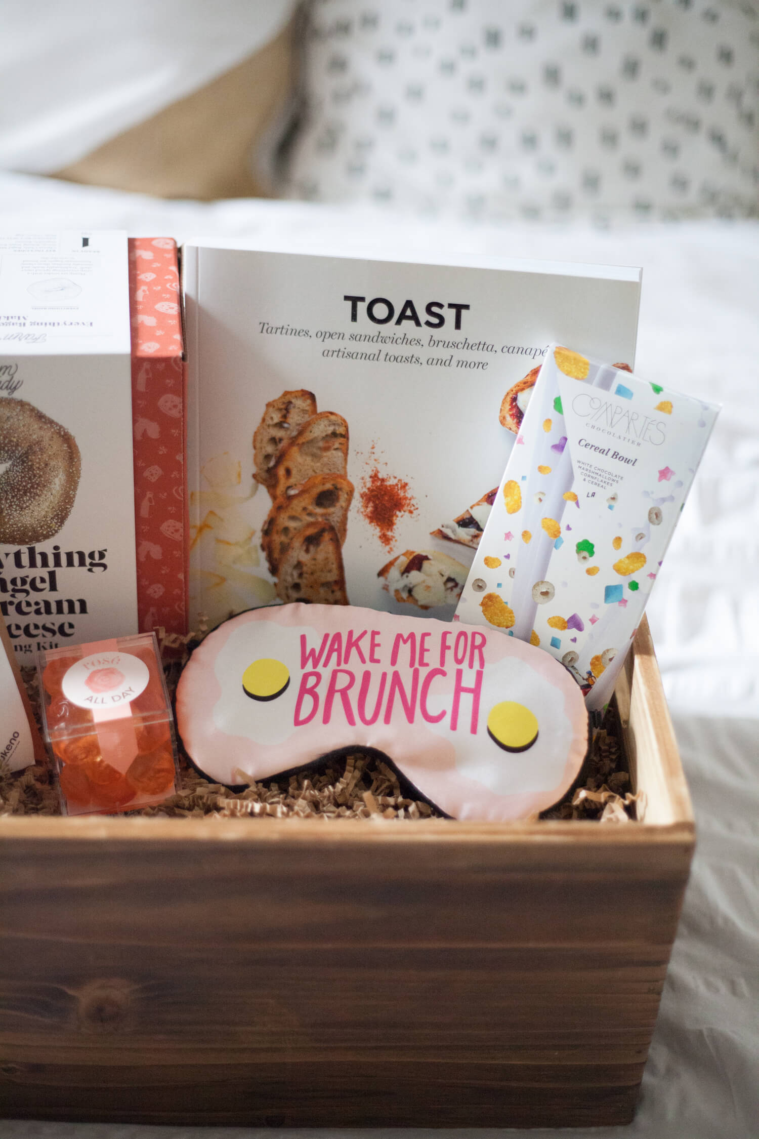 Brunch-themed adult gift basket ideas