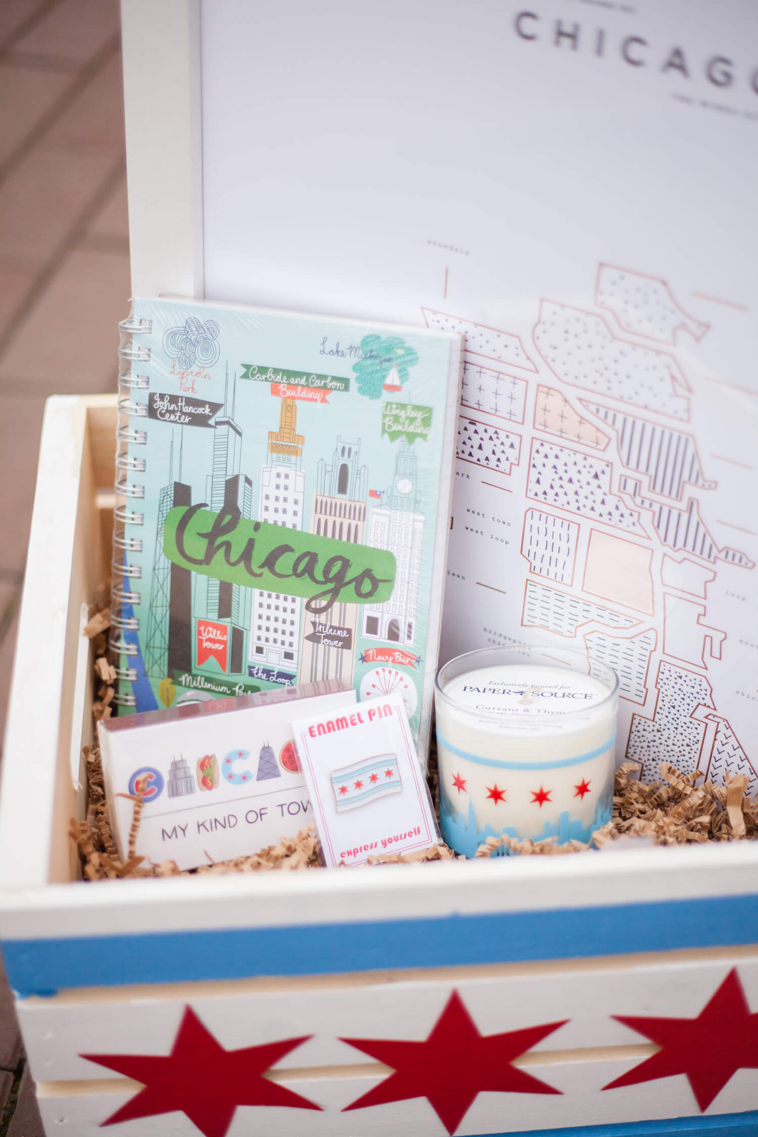 Chicago-themed gift basket. So perfect for someone who just loves the Windy City!