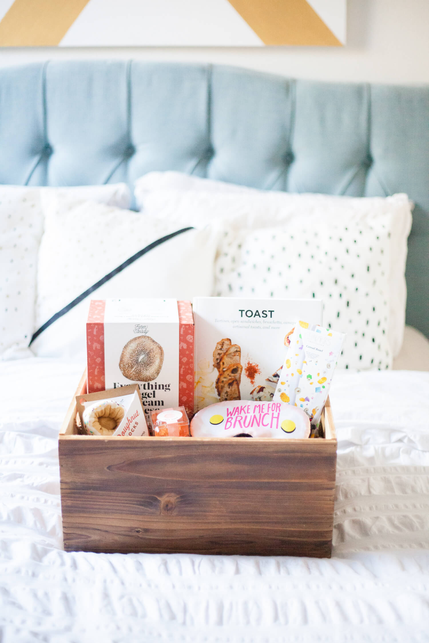 Brunch-themed adult gift basket ideas