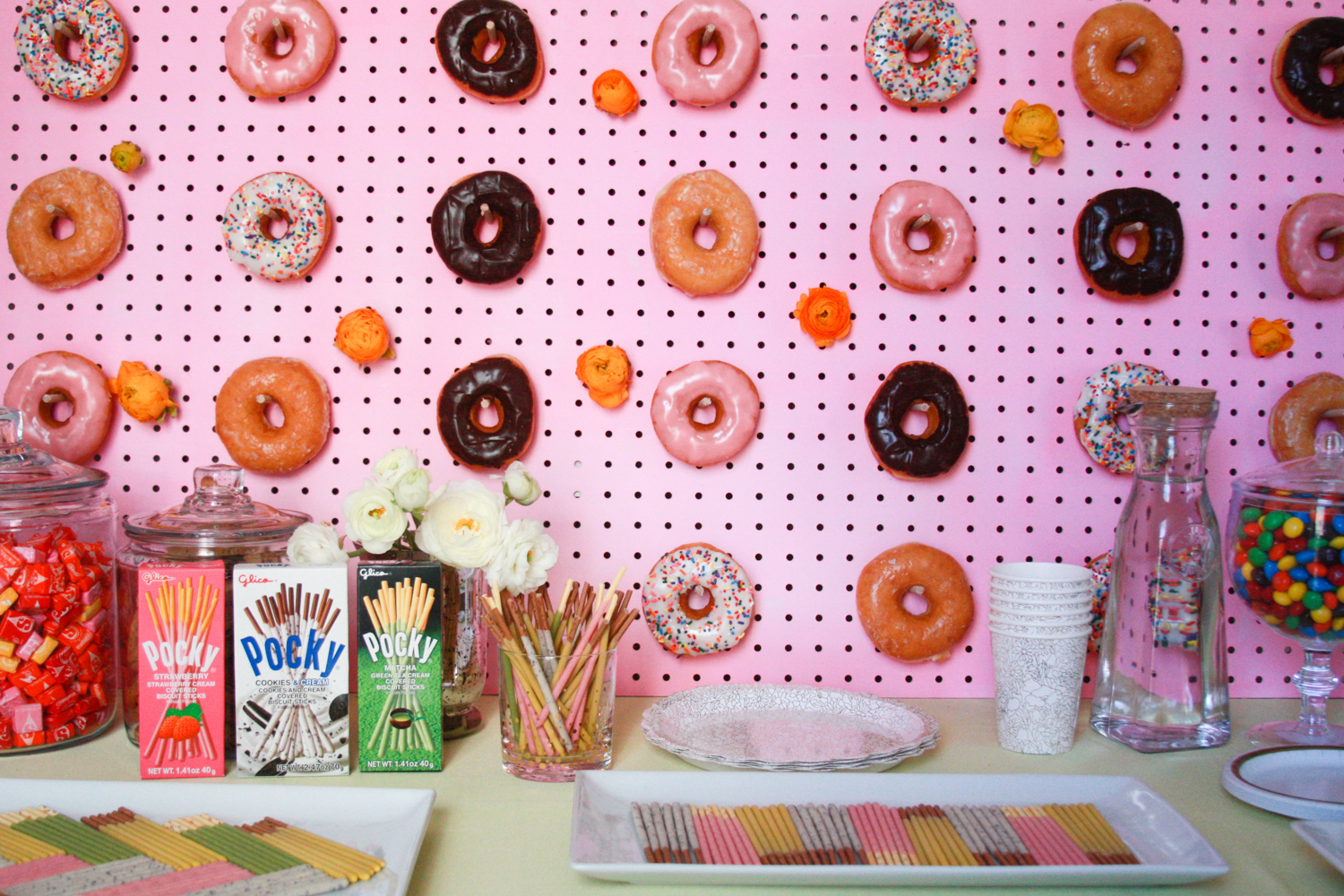 Seriously, how cute is this dessert bar?!