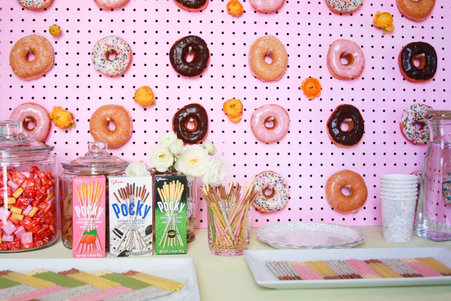 An easy dessert bar idea -- plus a donut wall DIY!