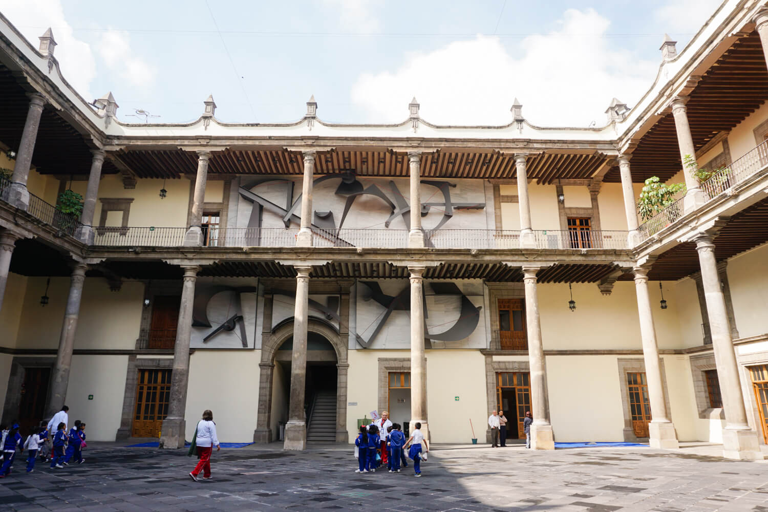 What to do in Mexico City: Visit the Secretaria de Educacion Publica (Secratary of Public Education Building)