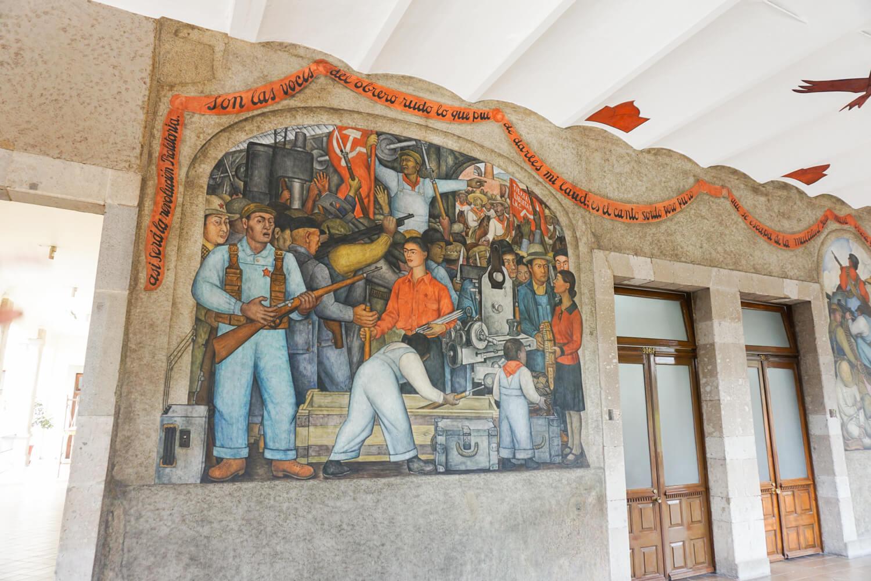 What to do in Mexico City: Visit the Secretaria de Educacion Publica (Secratary of Public Education Building)