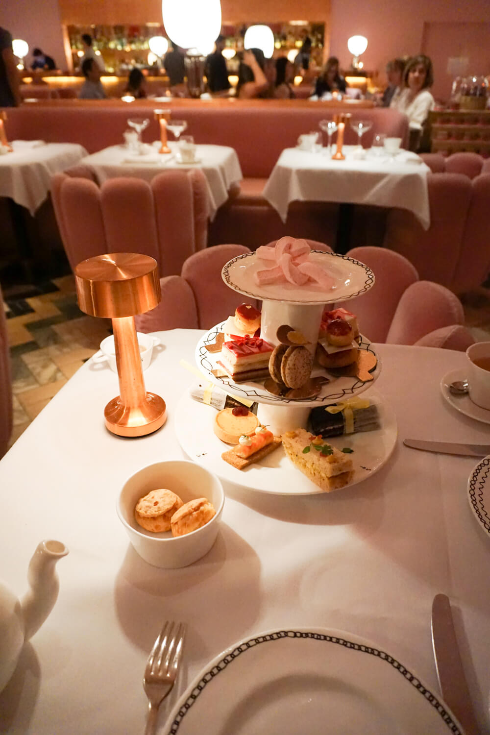 5-Day London Itinerary: Sketch for Afternoon Tea