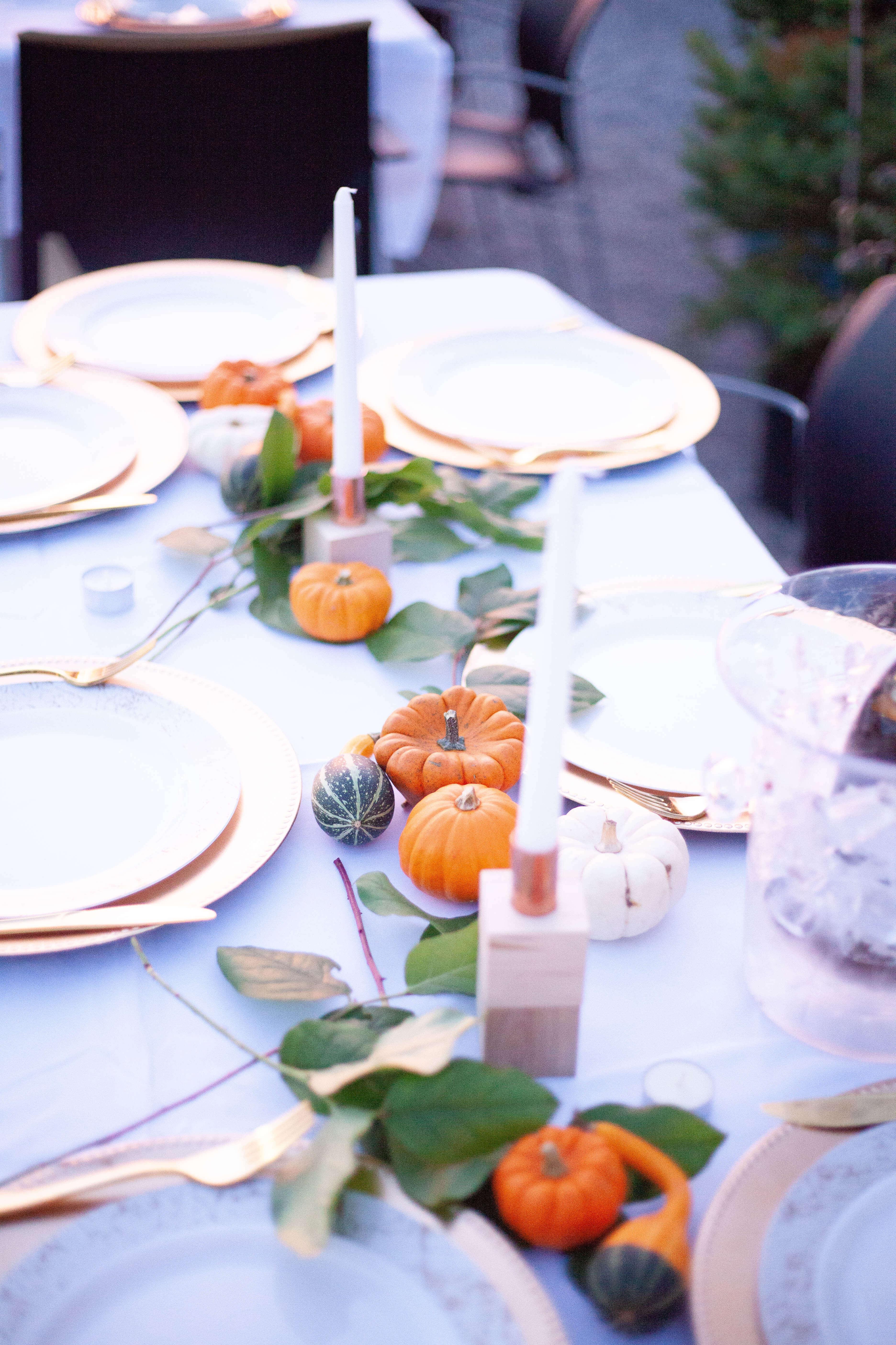 Fall-themed dinner tablescape ideas