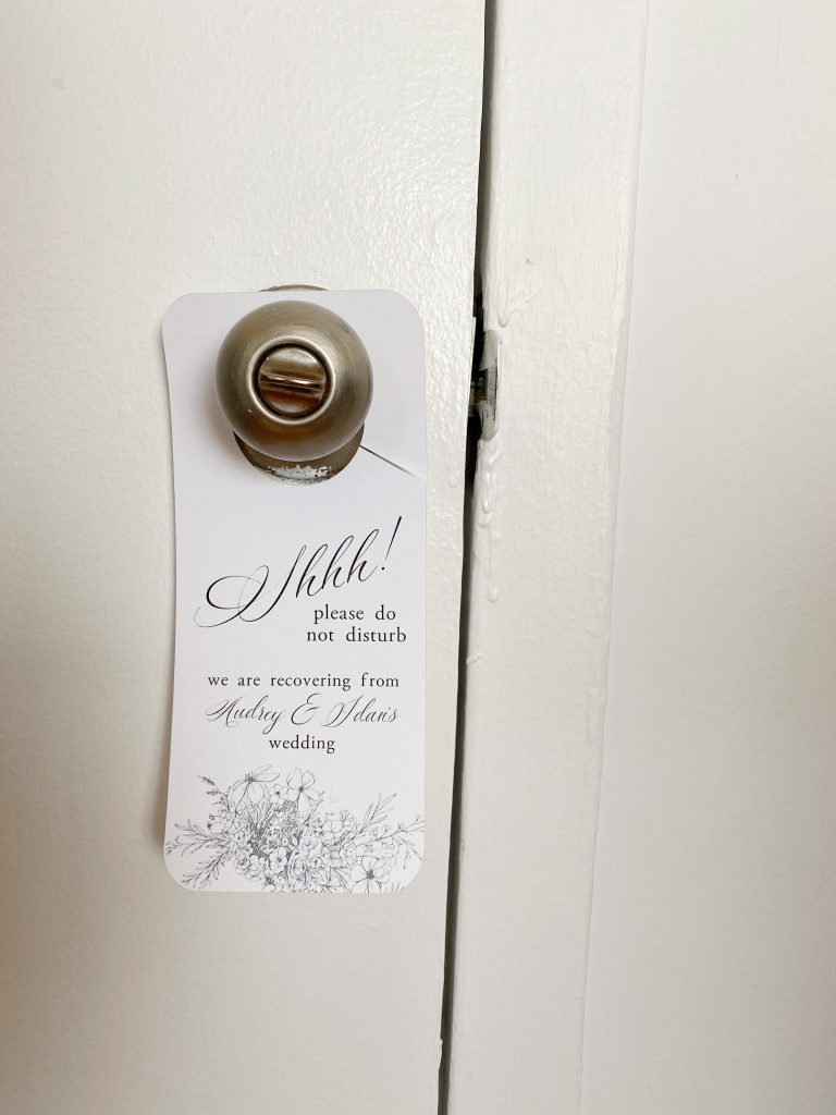 How to Make a Door Hanger with your Cricut